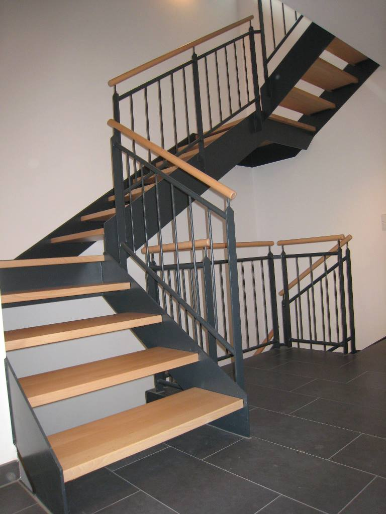 flachstahl kaiser treppen. Black Bedroom Furniture Sets. Home Design Ideas