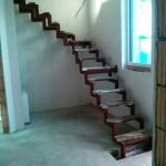 Treppe im Rohbau mit Baustufen